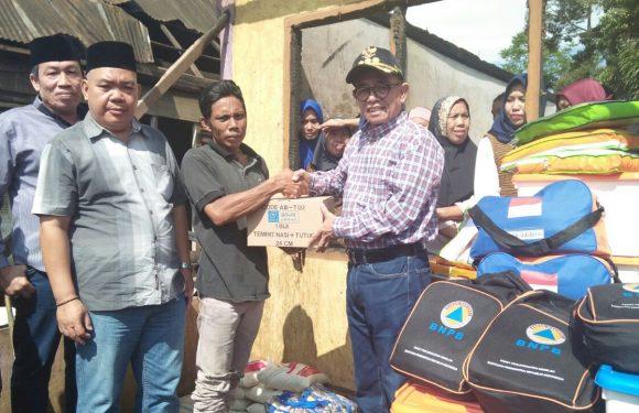 Bupati Serahkan Bantuan Korban Kebakaran Batu Bandung