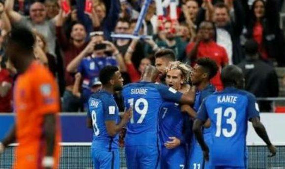 Prancis Tekuk Australia 2 : 1