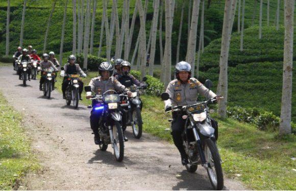 Jelang Pilkades, Kapolres Kepahiang Patroli Ke Pelosok Desa Pakai Motor Trail