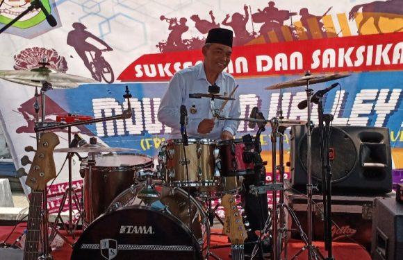 Resmikan Festival Musik, Sekda Kepahiang Tabuh Dram dan Nge-Rock