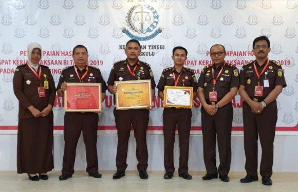 Wow, Kejari Kepahiang Dominasi Best Award 2019