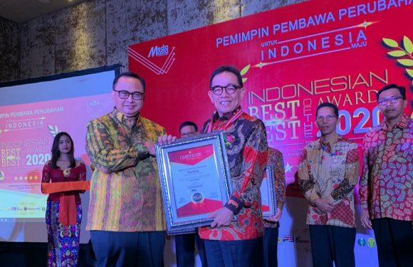 Bupati Hidayat Berhasil Raih Penghargaan Best Regent Performance Of The Year 2020