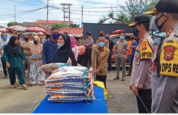 Perdana ke Kepahiang, Kapolda Langsung Beri Bantuan
