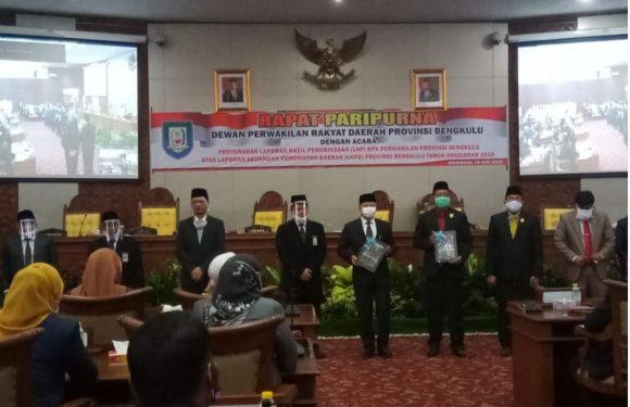 DPRD Provinsi Bengkulu Menggelar Paripurna Penyerahan LPH BPK Provinsi Bengkulu LKPD Provinsi Bengkulu TA 2019