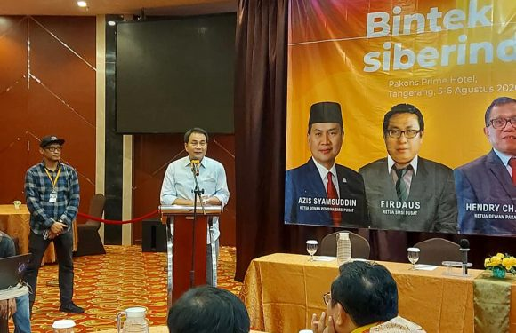 SMSI, Waka DPR RI Aziz Syamsudin Ingatkan Media tidak Terjerat UU ITE