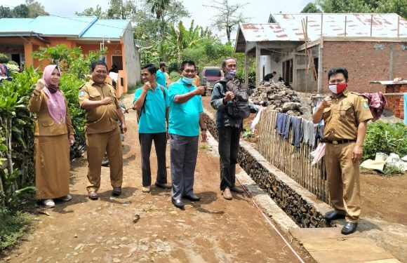 Antisipasi Kemungkinan Konflik : Pihak Kecamatan Kepahiang Gelar Monev Pekerjaan Fisik di Desa Weskust