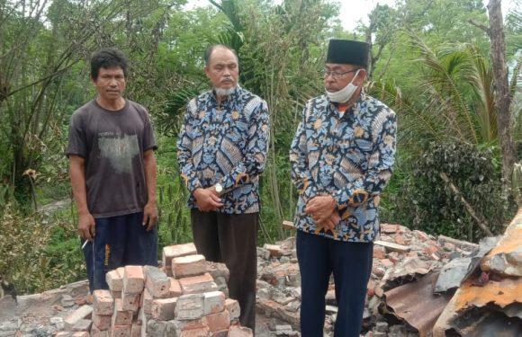 BAZNAS Kepahiang Salurkan Bantuan Korban Kebakaran Rumah Gunung Agung
